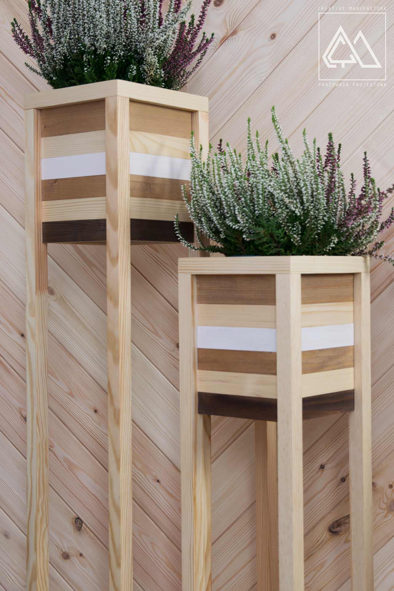 Zestaw Drewnianych Kwietników